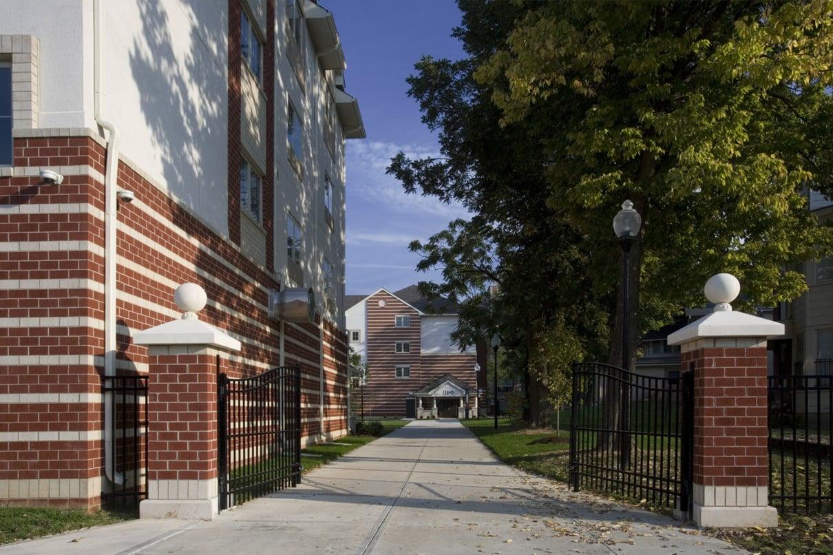 university-of-louisville-community-park-student-housing-entrance