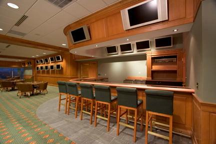 churchill-downs-interior-bar