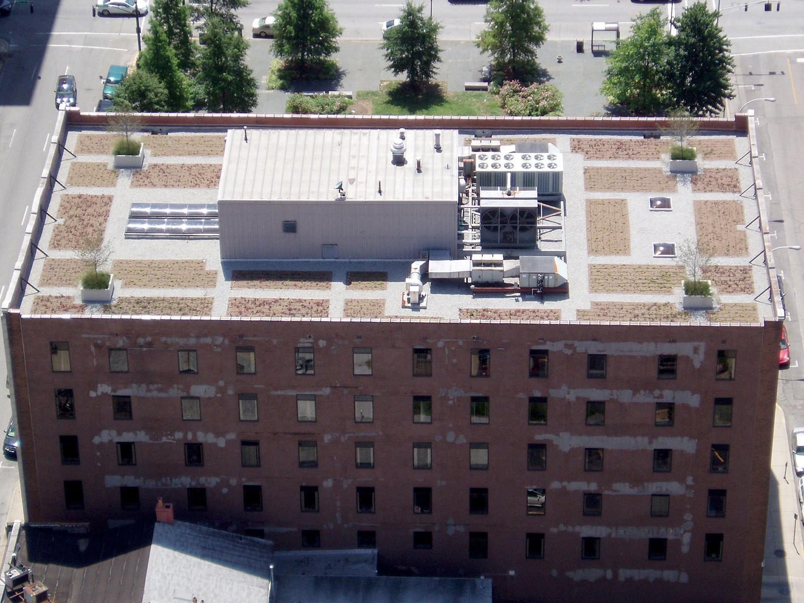 louisville-metro-government-metro-development-center-green-roof-aerial