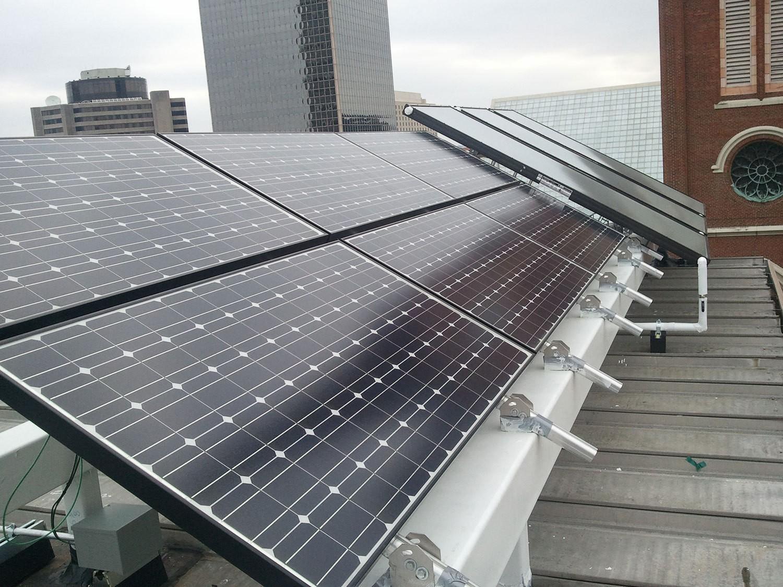 louisville-metro-government-metro-development-center-green-roof