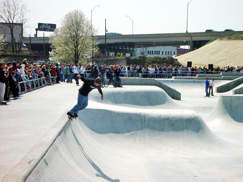 x-treme-park-louisville-opening-day-skaters