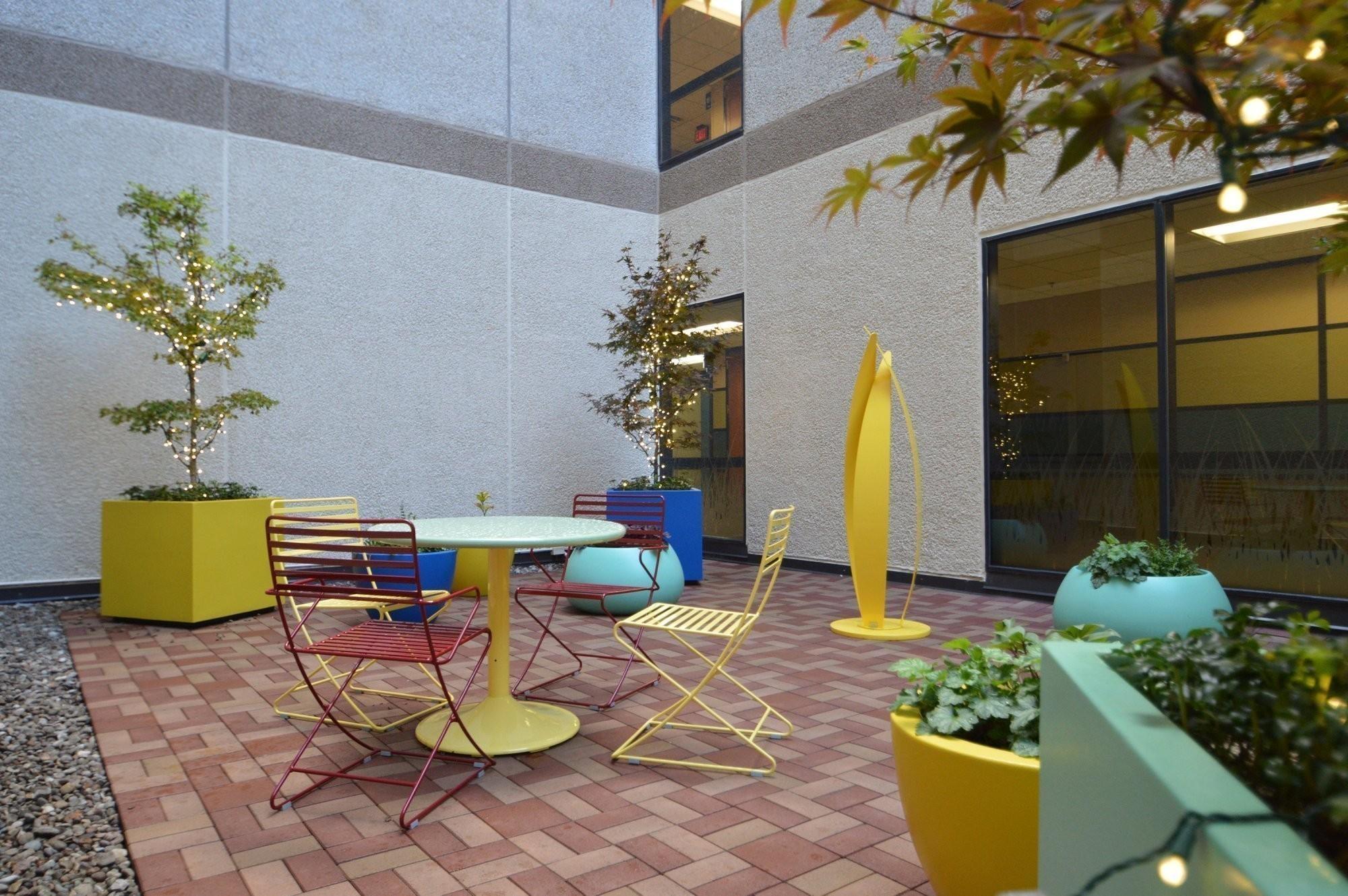 annie's-healing-garden-norton-hospital-landscape-architecture-2