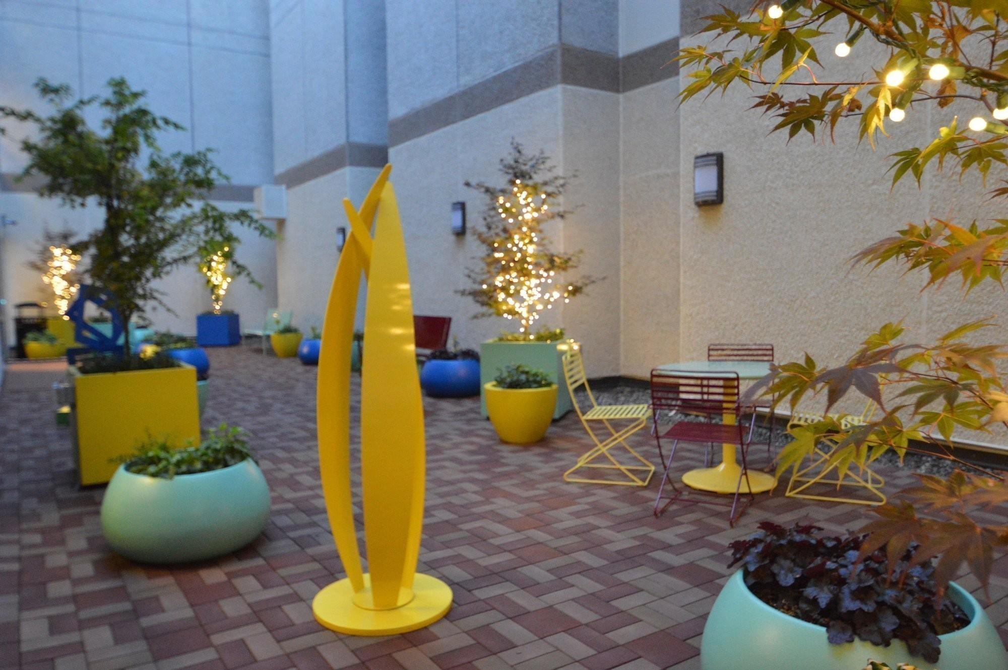 annie's-healing-garden-norton-hospital-landscape-architecture-3