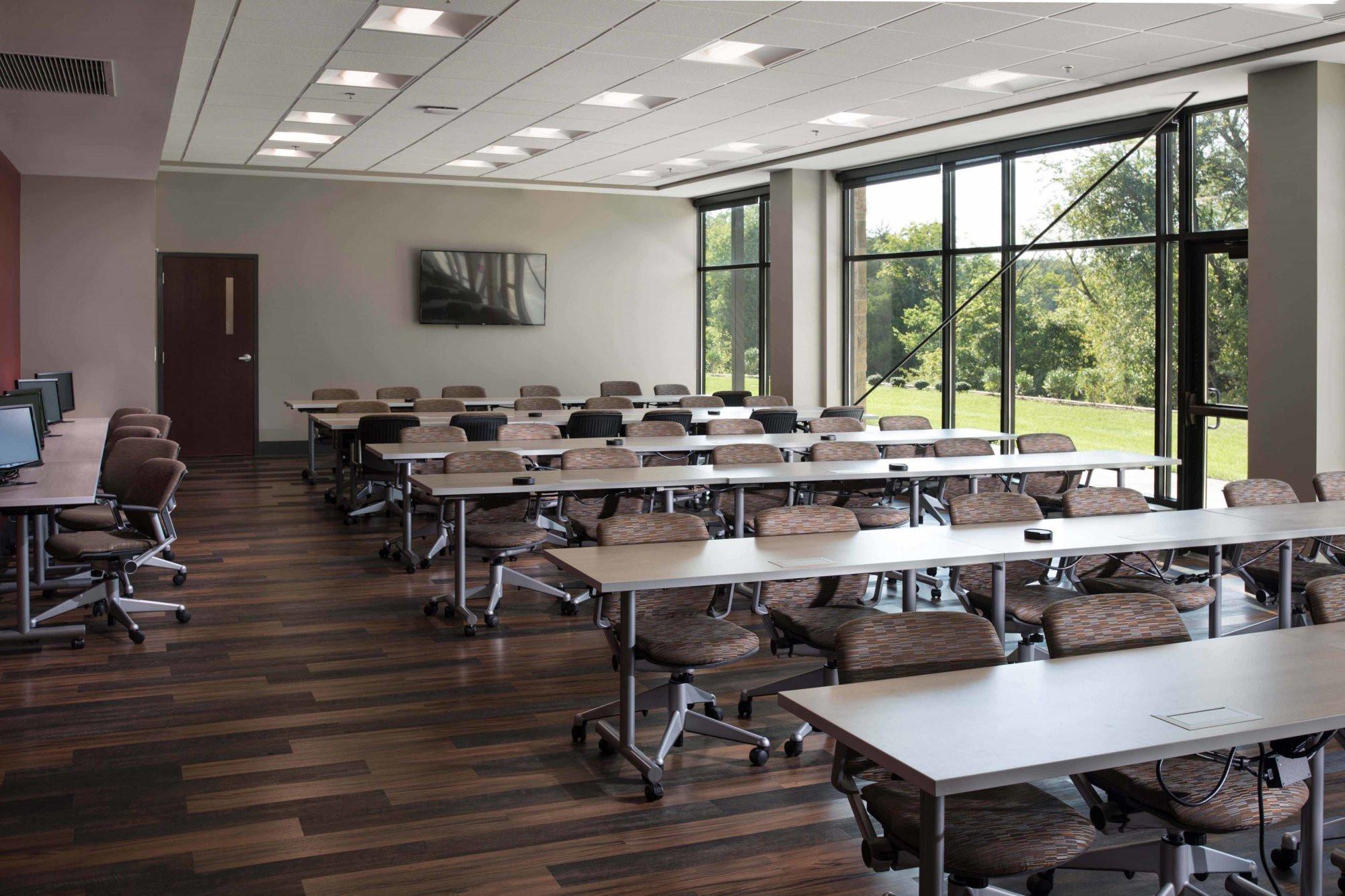 donan-engineering-new-headquarters-office-building-interior-workspace