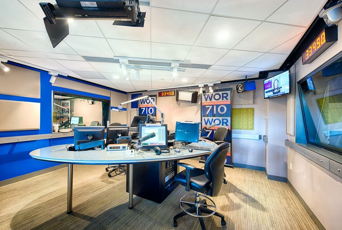 elvis-duran-studio-audio-booth-round-table