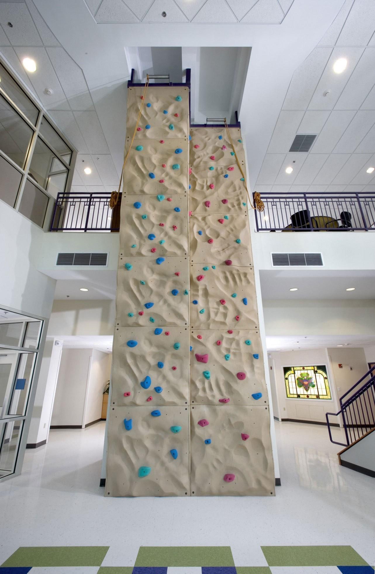 girl-scouts-headquarters-interior-rock-climbing-wall