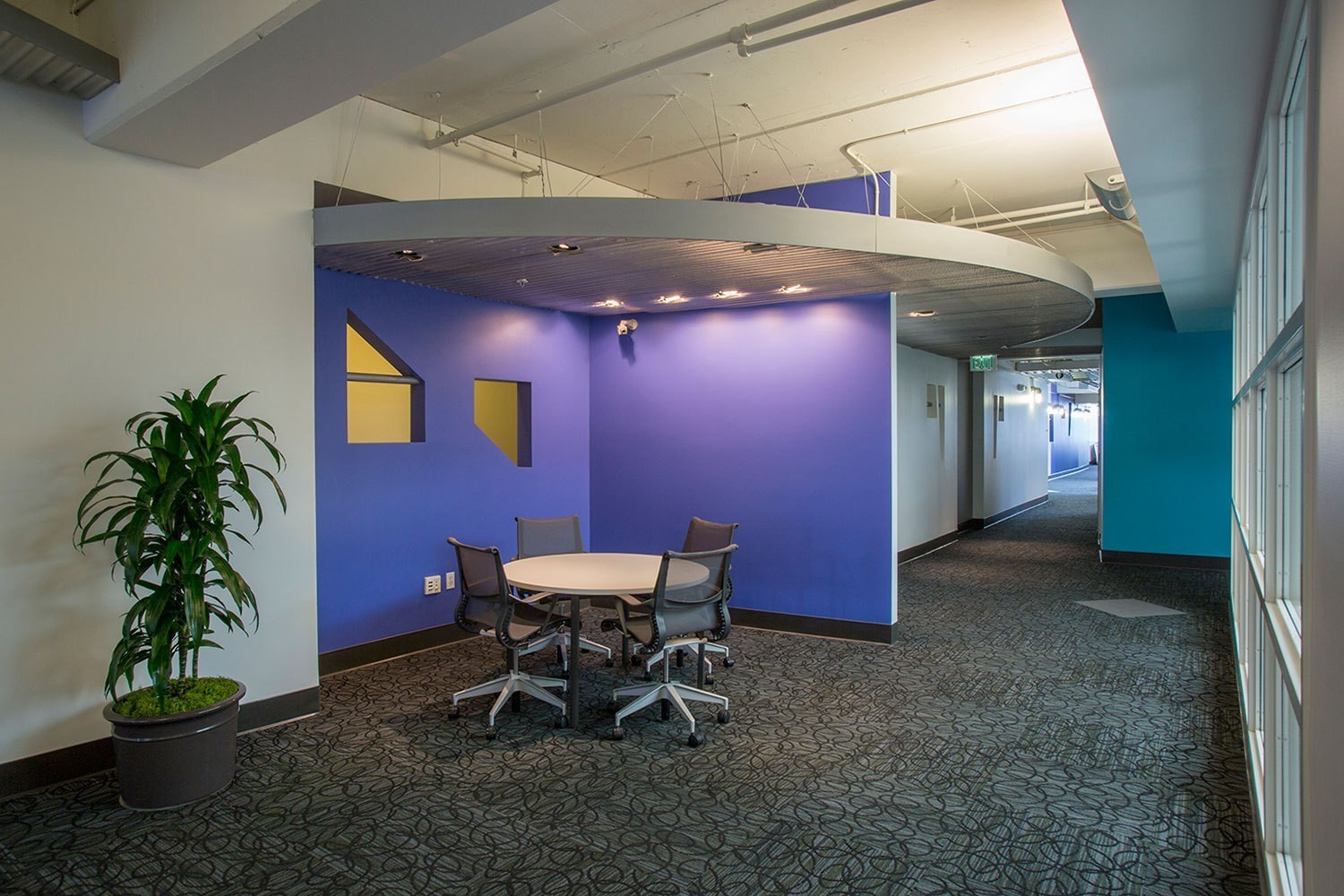 iheart-media-office-studio-renovation-sanfrancisco-collaborative-space