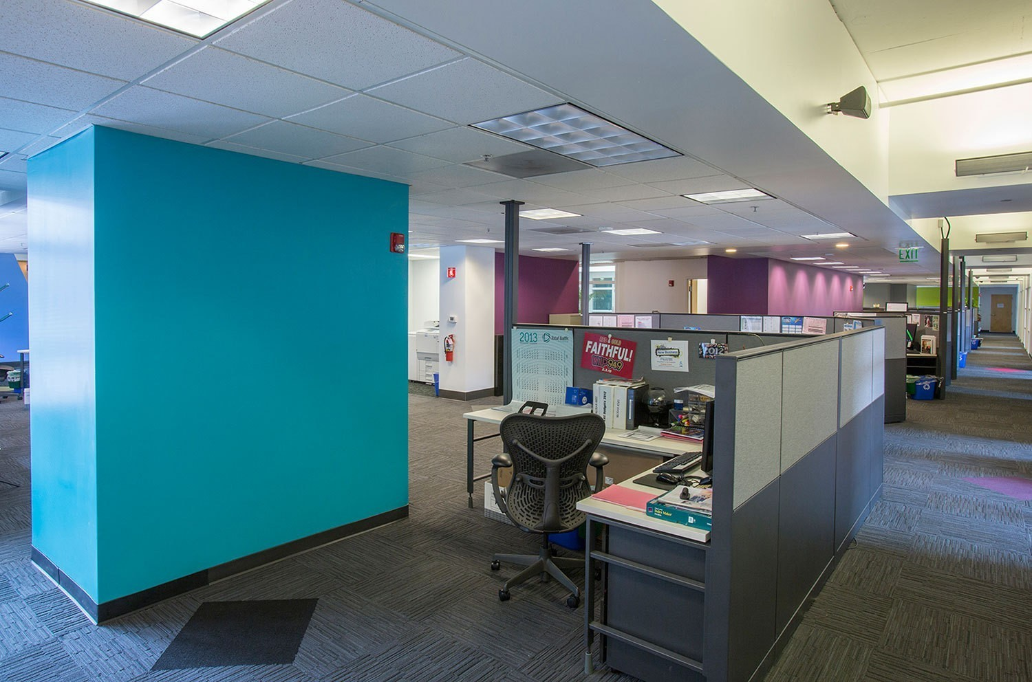 iheart-media-office-studio-renovation-sanfrancisco-cubical