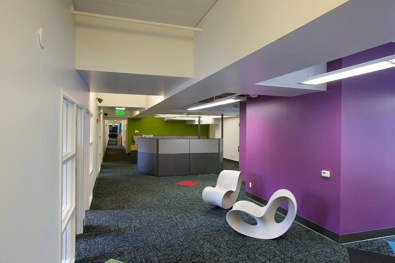 iheart-media-office-studio-renovation-sanfrancisco-lobby