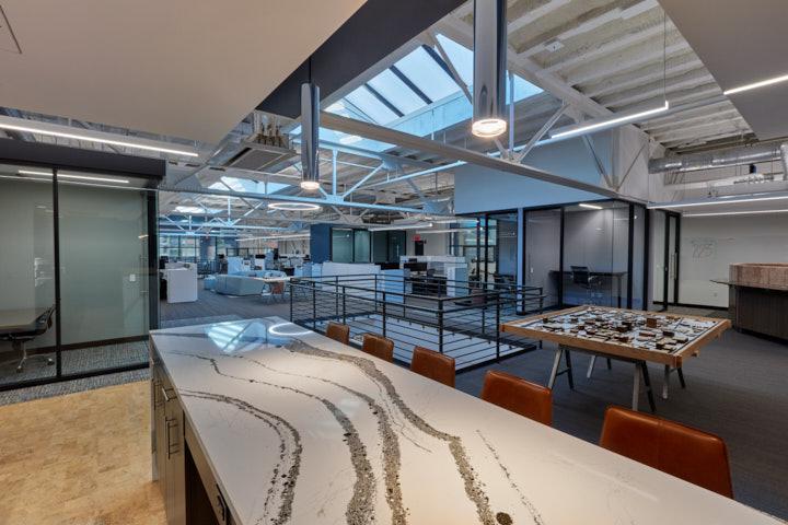 luckett&farley-office-coffee-bar-open-floorplan
