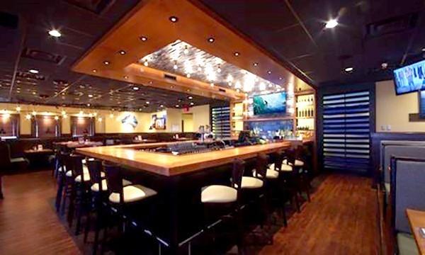 outback-steakhouse-interior-bar