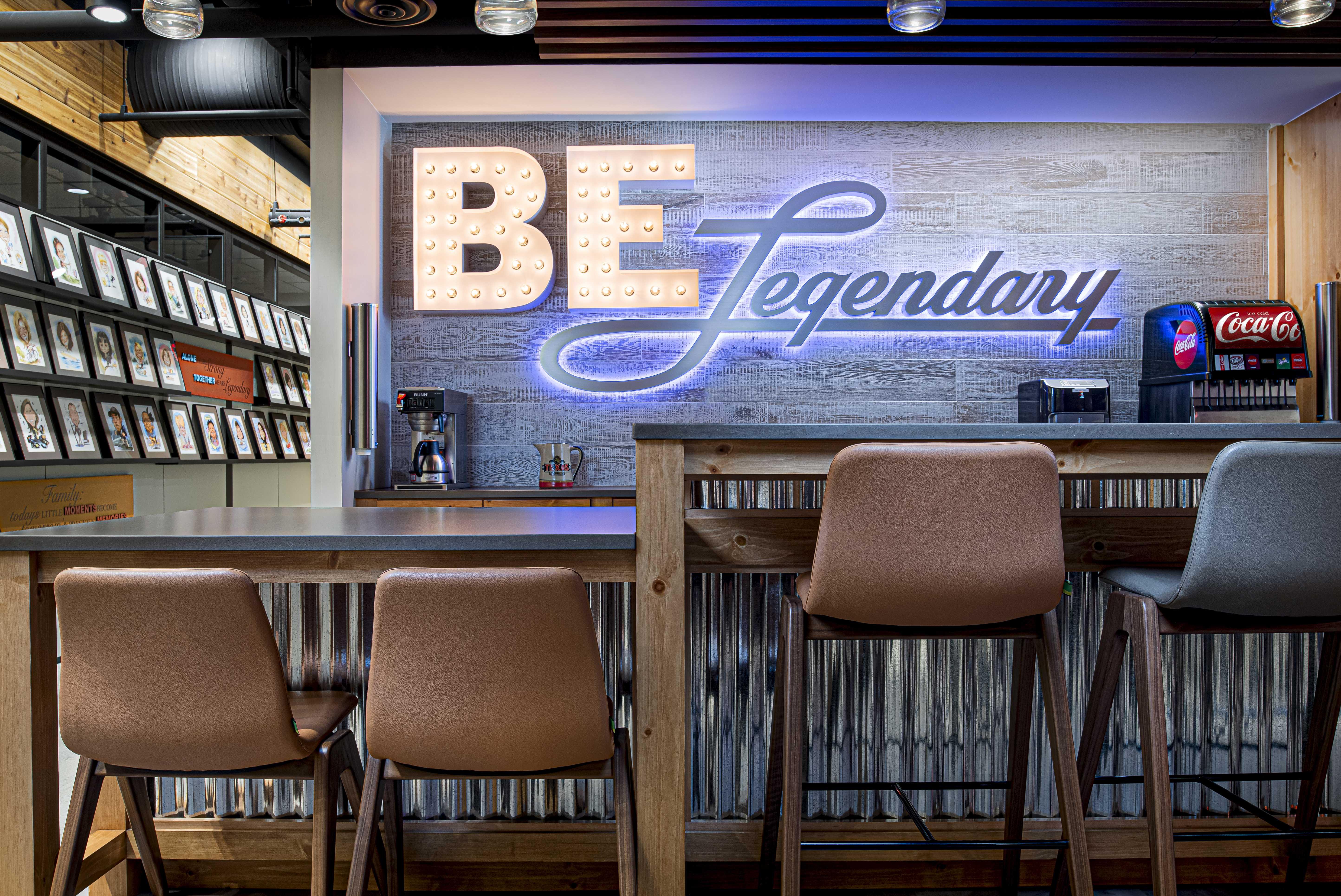 texas-roadhouse-office-be-legendary-bar