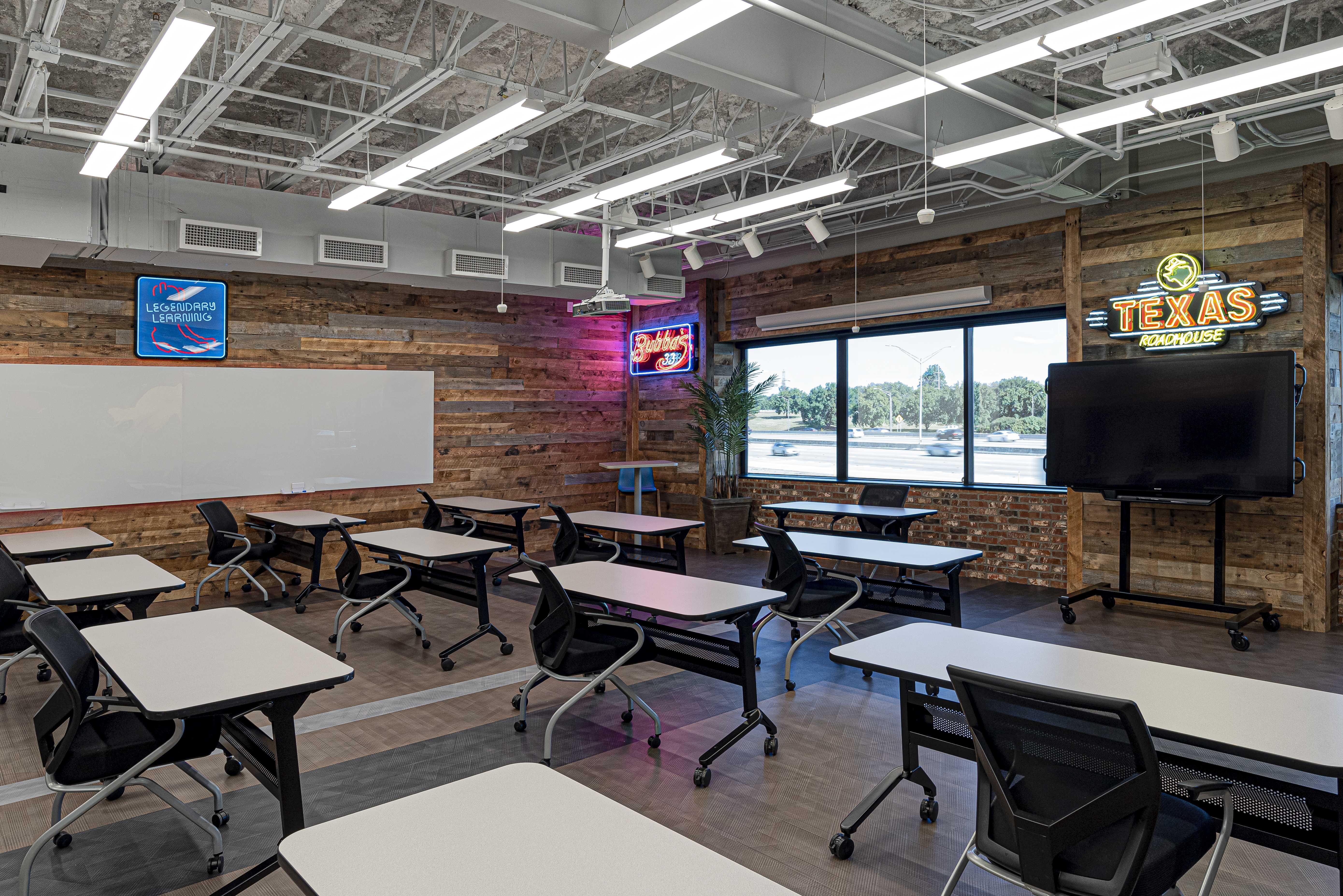 texas-roadhouse-office-classroom