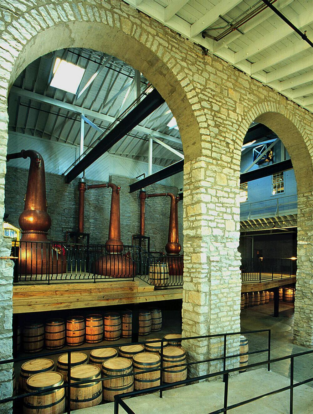 woodford-reserve-distillery-barrel-warehouse-stills-tour