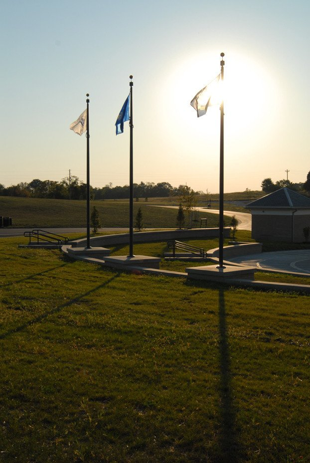 kentucky-veterans-cemetery-north-flags