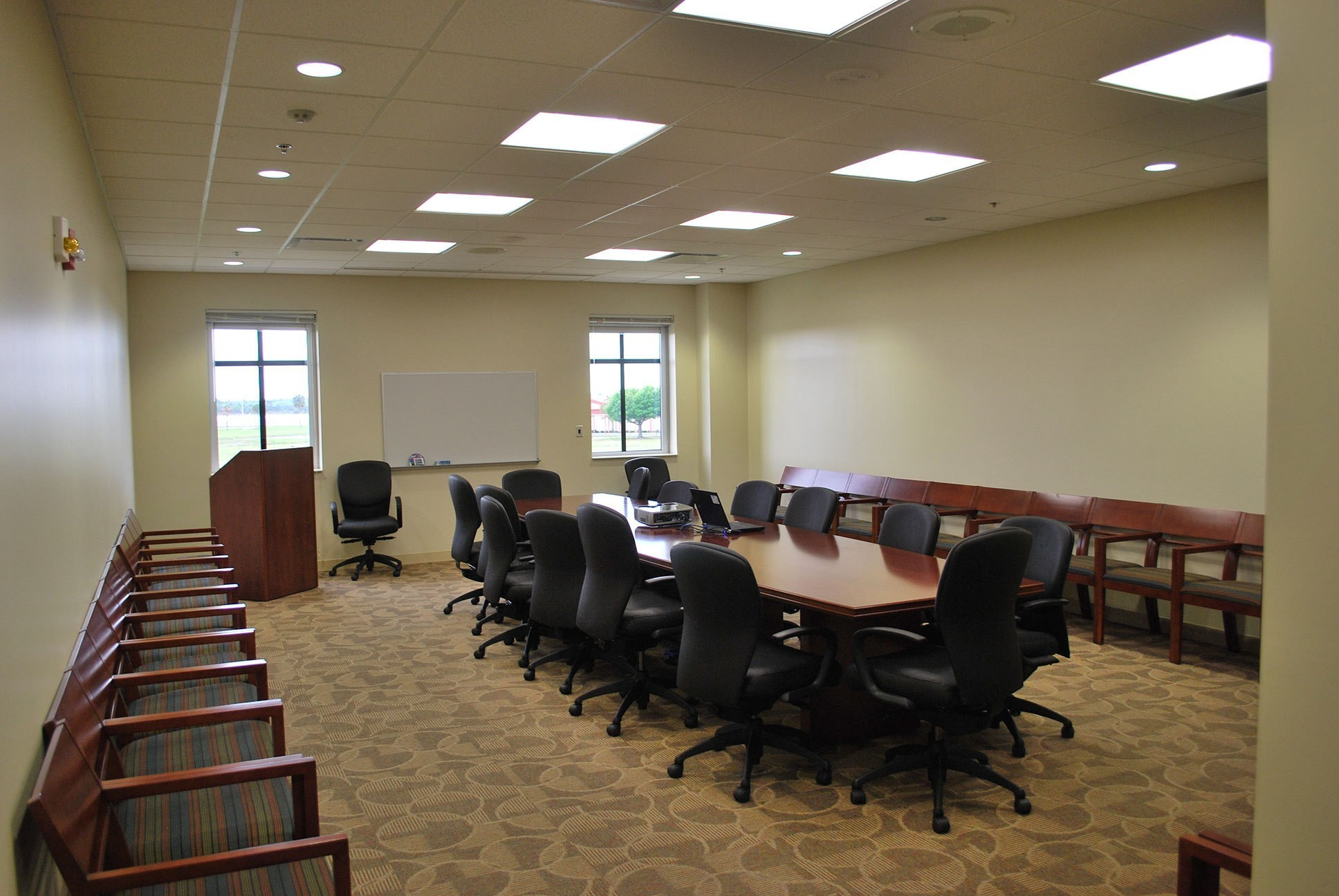 macdill-air-force-reserve-training-facility-conference-room