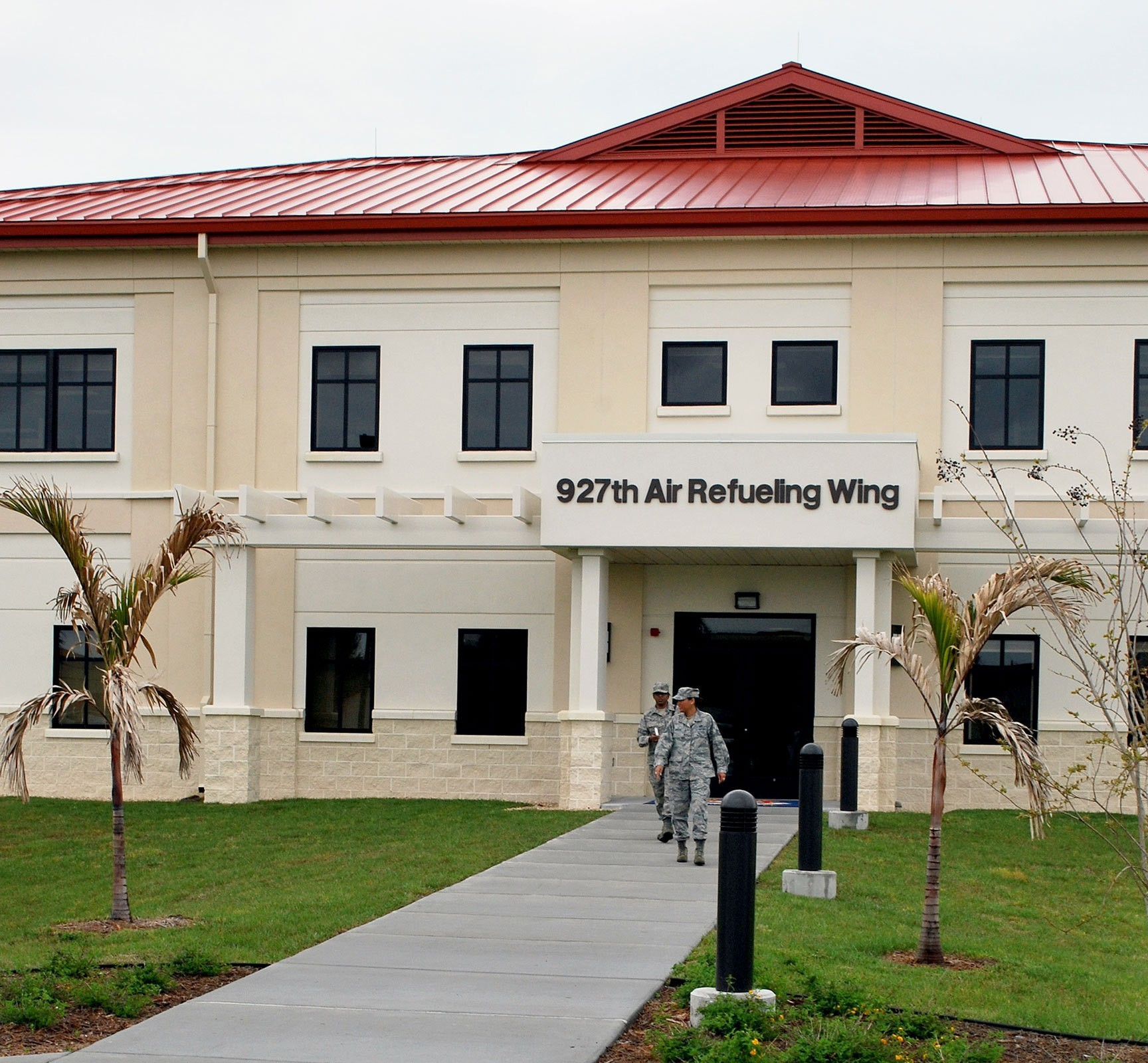 macdill-air-force-reserve-training-facility-exterior