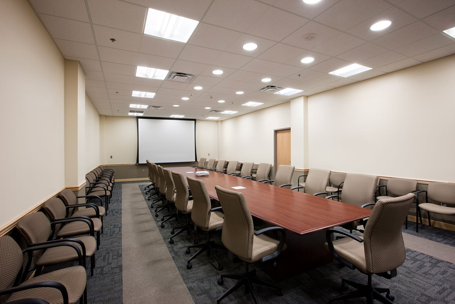 wright-patterson-airforce-base-30001-conference-room