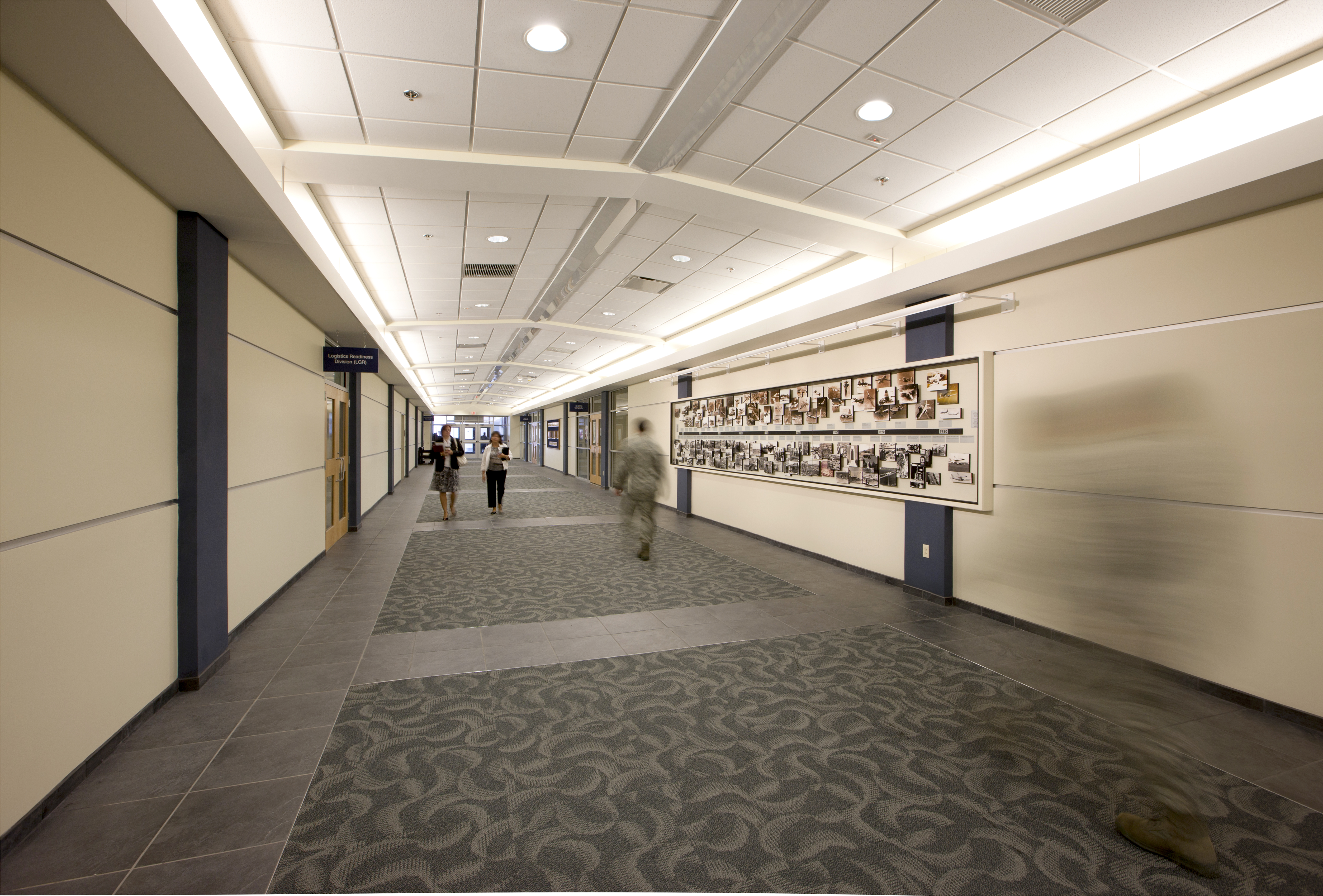 wright-patterson-airforce-base-30001-hallway-people