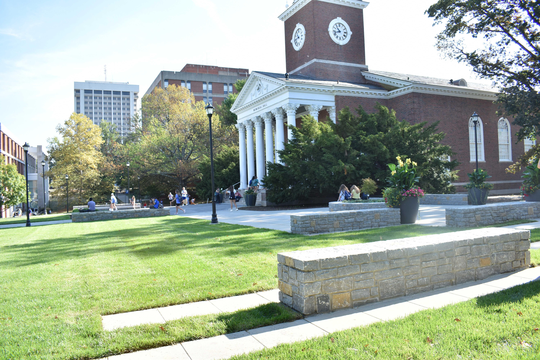 university-of-kentucky-memorial-hall-stone-dividers