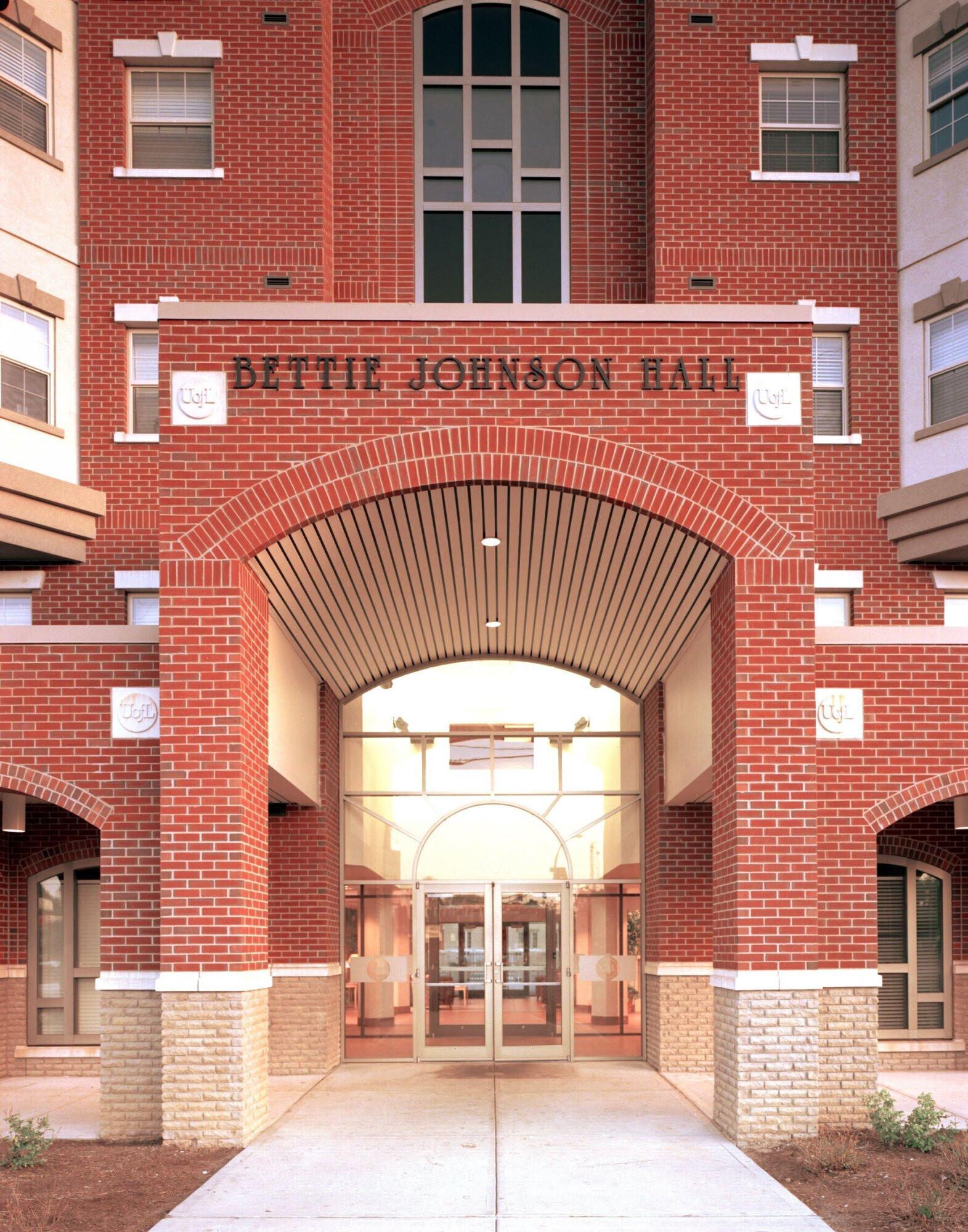 university-of-louisville-bettie-johnson-hall-entrance